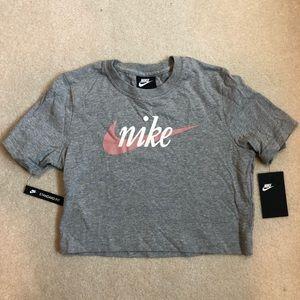 NWT cropped Nike t-shirt